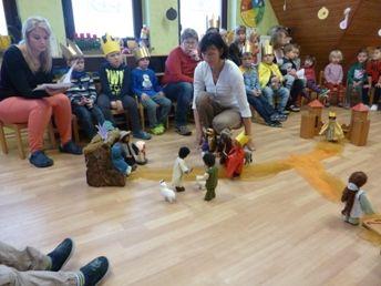 Das Fest der Hl. 3 Könge - Nachstellen der Geschichte mit biblischen Figuren