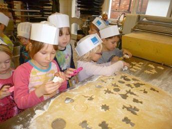 Plätzchenbacken in der Bäckerei Fütterer